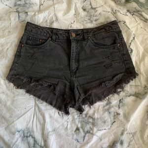 H&M distressed cut off shorts